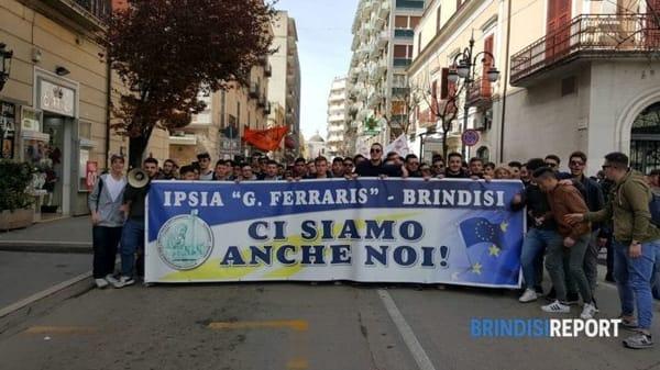 I ragazzi dell'Ipsia _Ferraris_ Libera 2-2-2