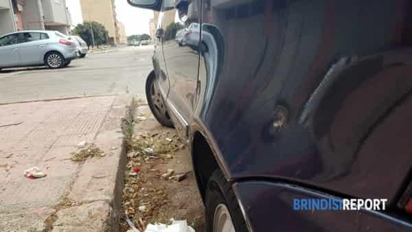 Omicidio Giampiero Carvone, auto attinta dai colpi 2-2