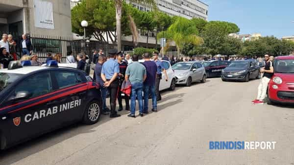 Allarme bomba, carabinieri al tribunale di Brindisi