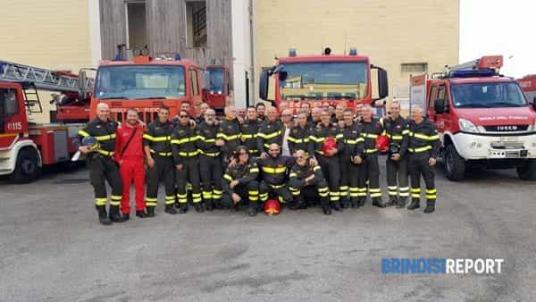 Pensionamento Carrozzo, vigili del fuoco Brindisi-2