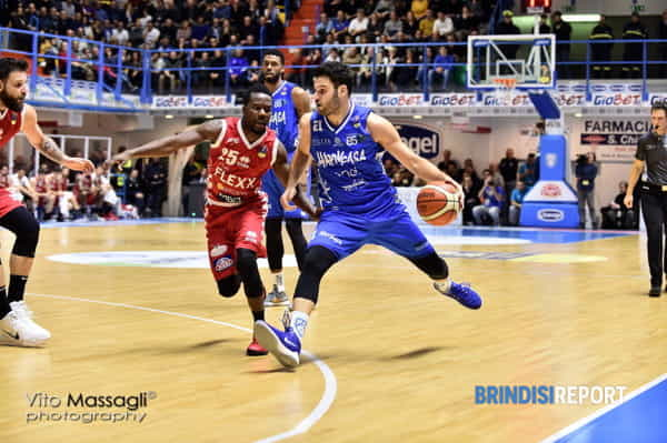 New Basket-Pistoia 6-3