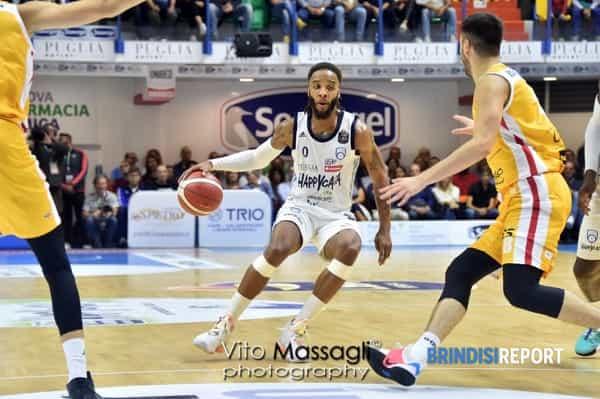 Adrian Banks contro Pesaro-2