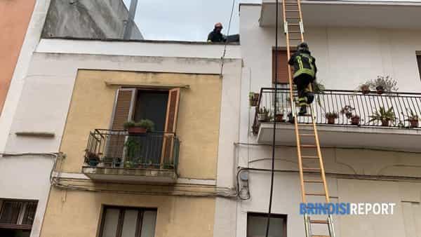 Incendio appartamento via Giovanni XXIII 2-2