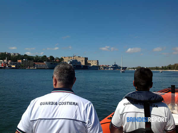 Guardia costiera porto interno controlli 1-2