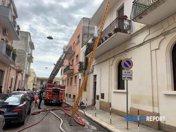 Incendio appartamento via Giovanni XXIII 4-2