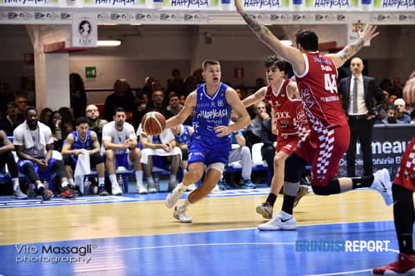 New Basket-Pistoia 3-2