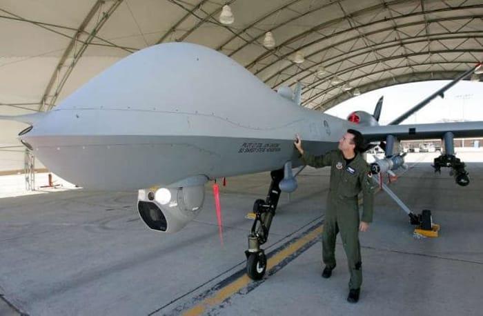 Un drone Predator dell'Aeronautica Militare Italiana-2