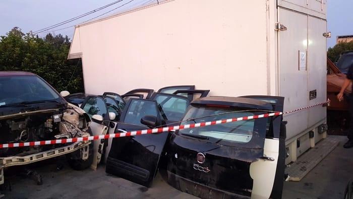 officina riciclaggio auto rubate