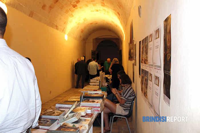 Le postazioni degli editori pugliesi che esponevano i loro libri nell'ex Scuole Pie-2