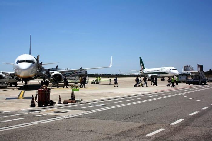 Aeroporto del Salento Brindisi_piazzale-3