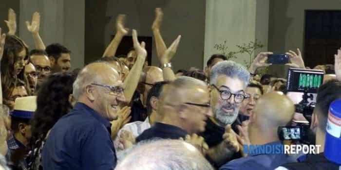 il nuovo sindaco Matarrelli con i suoi fan-2