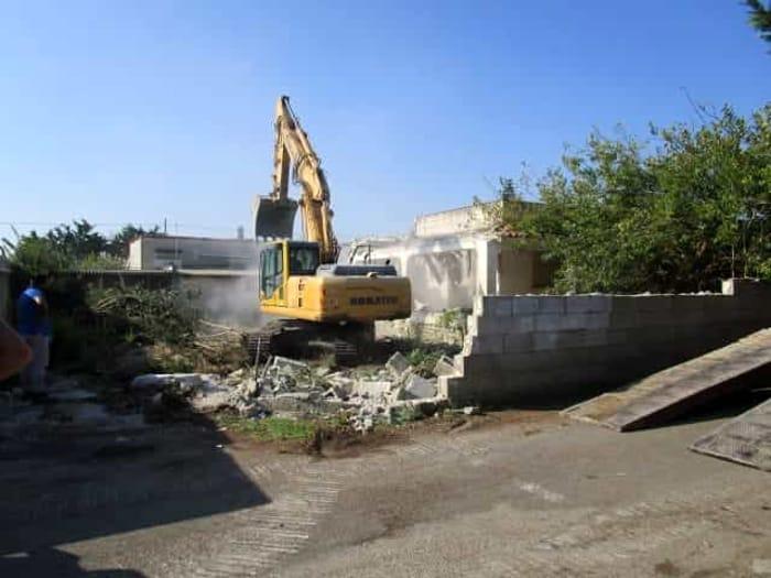 demolizione immobile contrada caputi brindisi-2