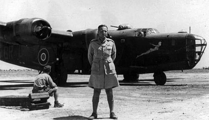 Una lapide per gli aviatori polacchi caduti nel cielo di