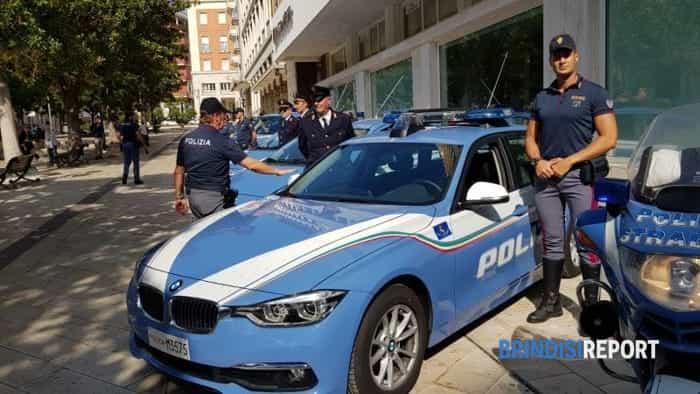 Brindisi piazza Vittoria - Ricordo poliziotti caduti a Trieste (3)-2