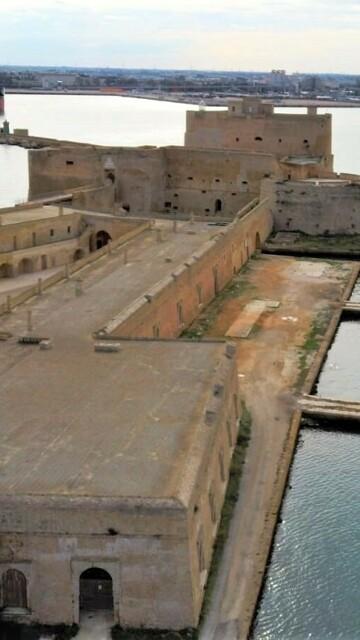 Isola S Adrea_Castello Alfonisino-2